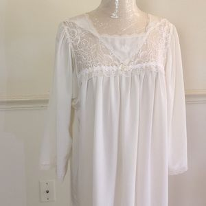 Dior Vintage medium long silky lace Nightgown